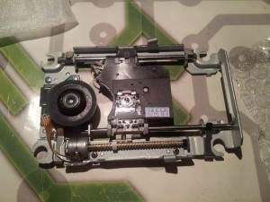 Baisse de prix KEM-490AAA pour PS4 (bloc optique + chariot)