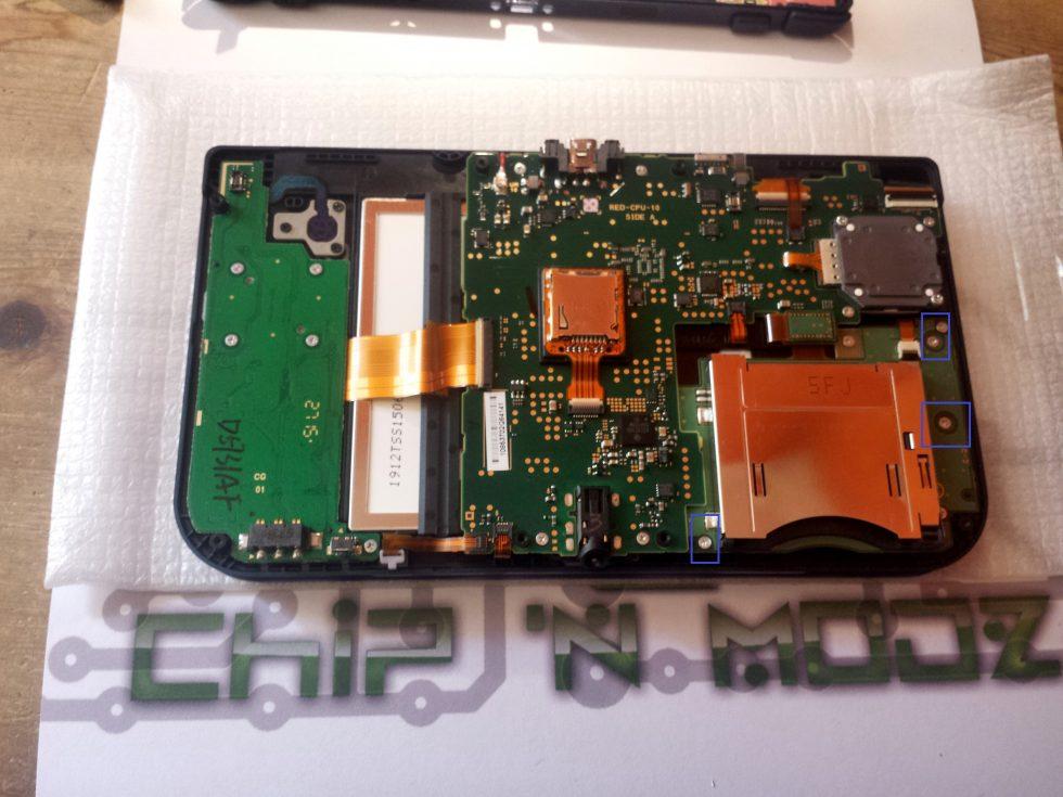 PCB SLot 1 retrait des vis new 3DS XL