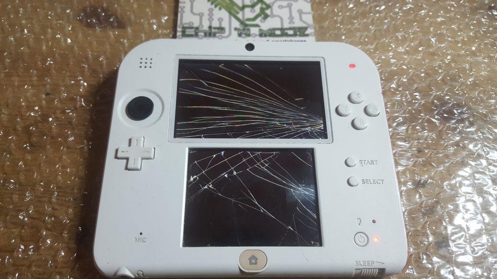 [TUTO] Remplacer l'écran LCD sur Nintendo 2DS